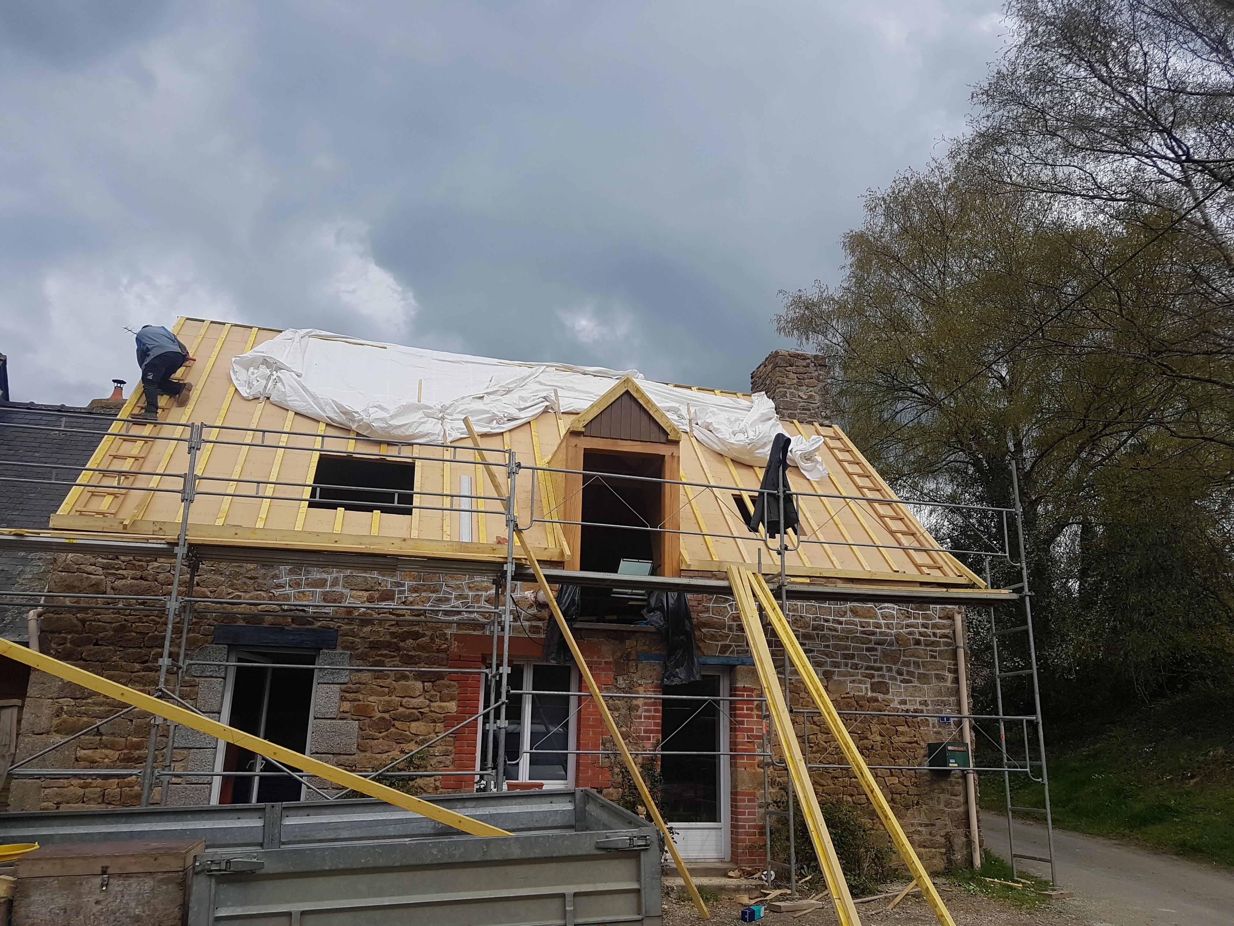 Rénovation charpente suite incendie et Sarking